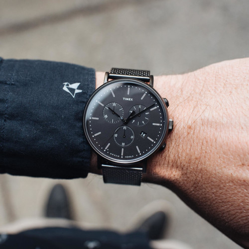 Smart Outlet Timex Fairfield Chrono Black Mesh | Watches.com