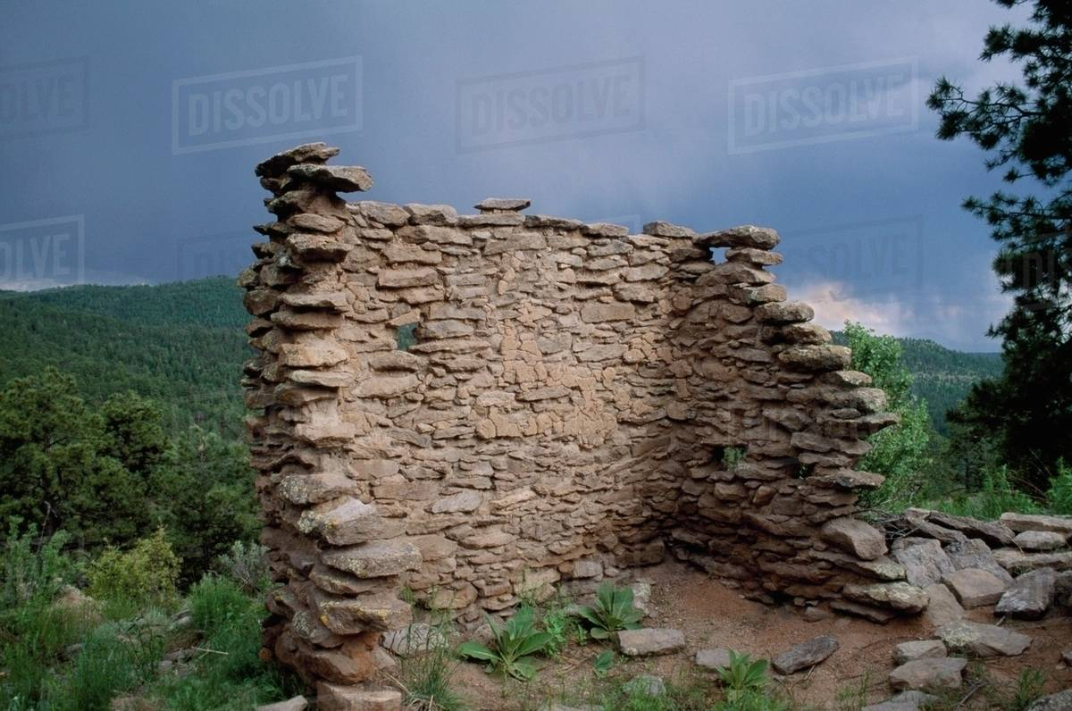 Juan Mesa Wall Of One Room Sheshukwa Ruin San Juan Mesa New Mexico Usa Stock Photo