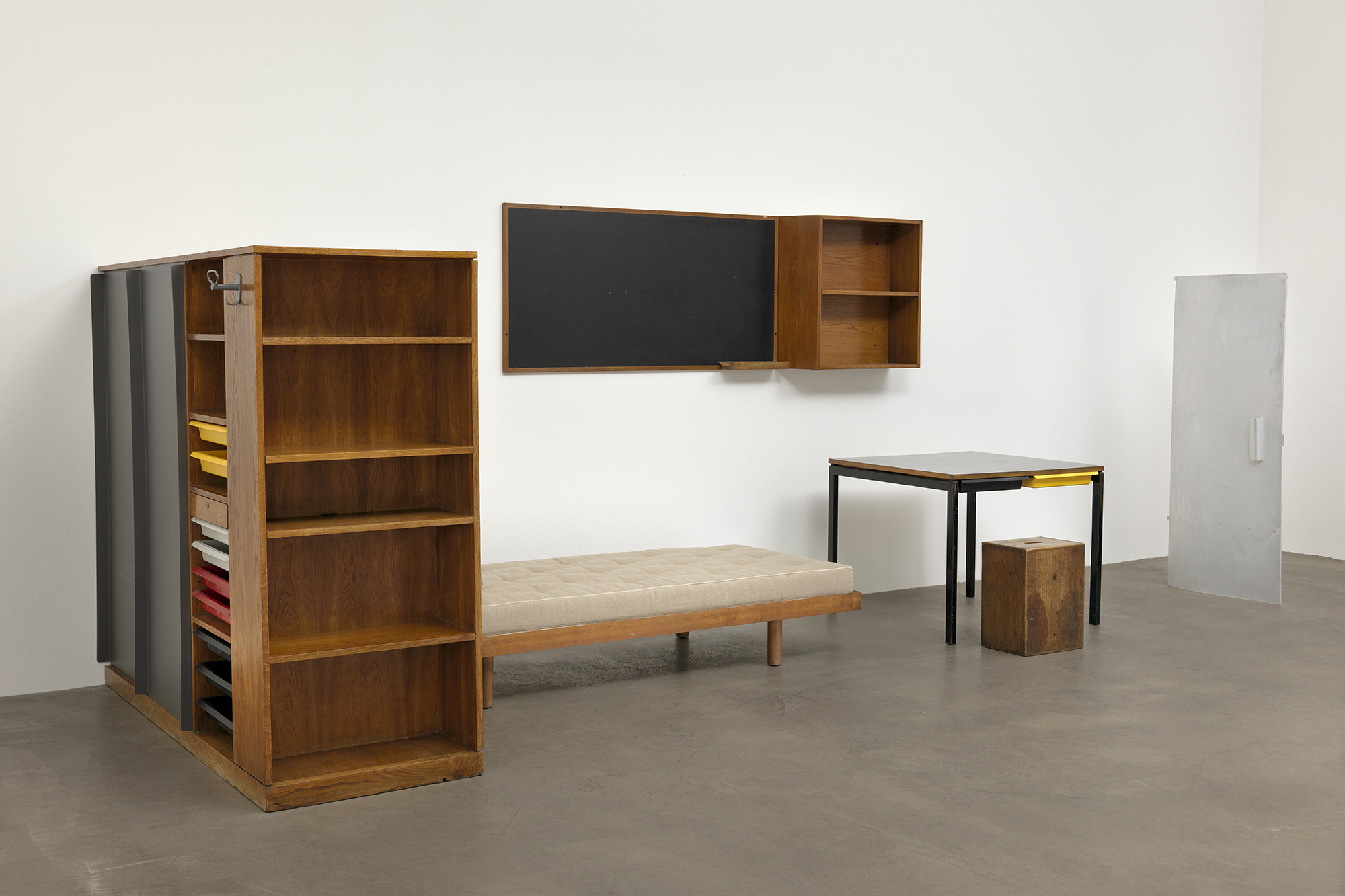 Mid Century Modern Bookcase Moma Considers What Makes A Modern Interior | Architect