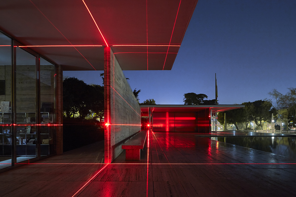 A New Installation Covers Mies Van Der Rohe S Barcelona Pavilion With A Grid Of Laser Lights Architect Magazine