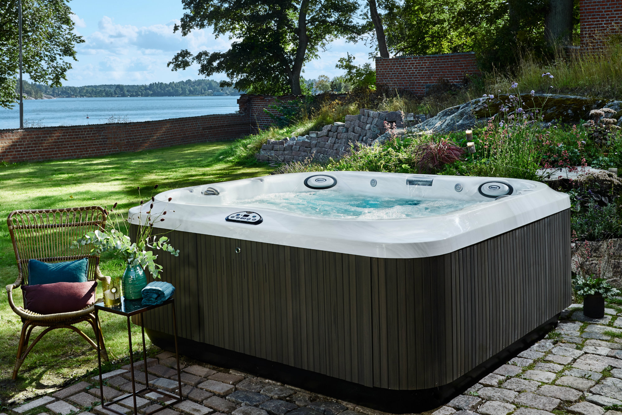 Jacuzzi Pool Hot Tub State Of The Market Portable Spas Pool And Spa News Spas