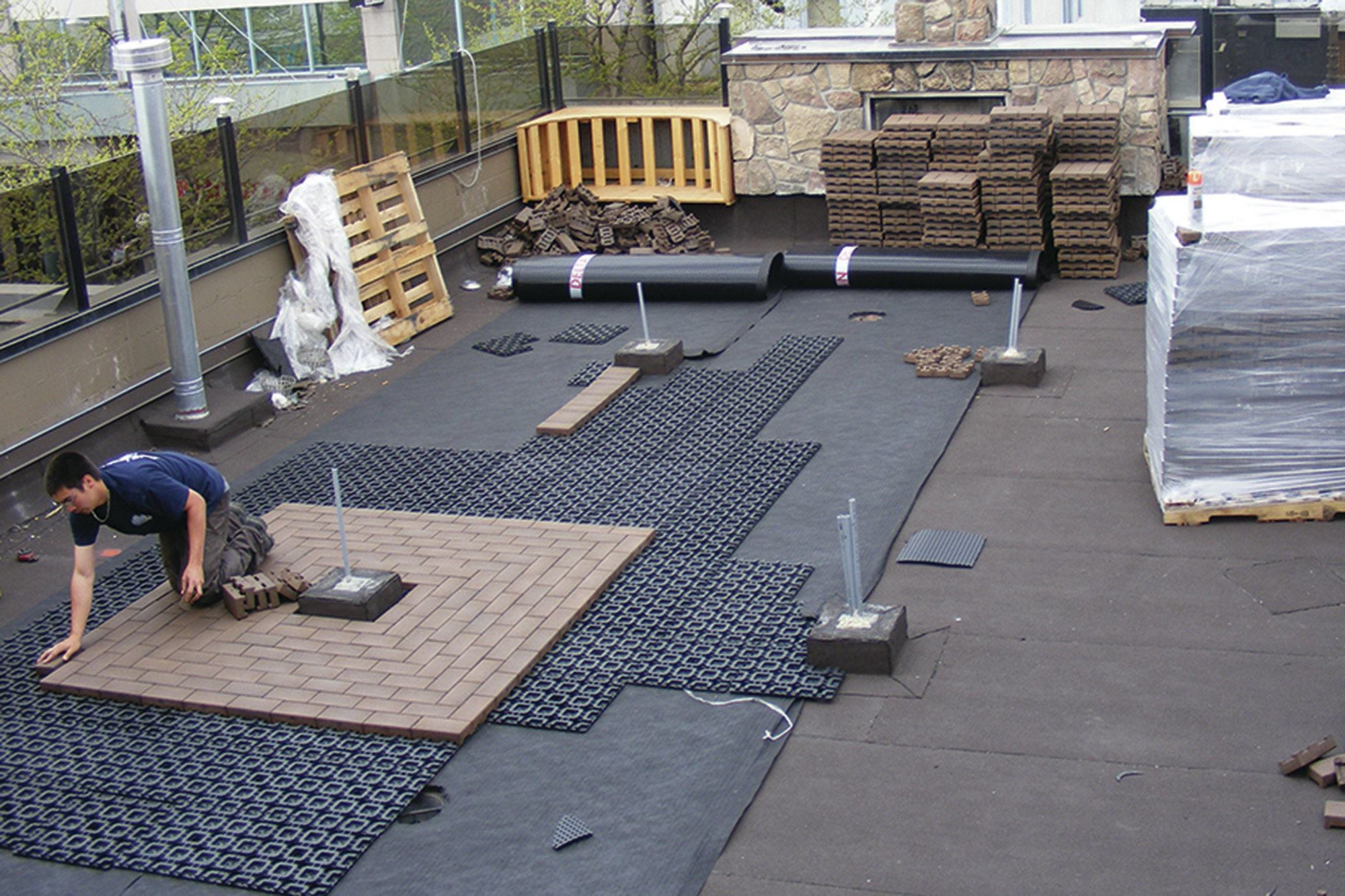 Dachterrasse Bodenbelag Pavers For Rooftop Decks Professional Deck Builder