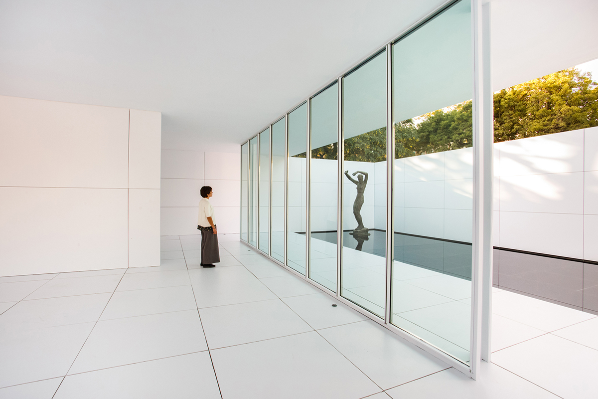 Mies Van Der Rohe S Barcelona Pavilion Goes White Architect Magazine