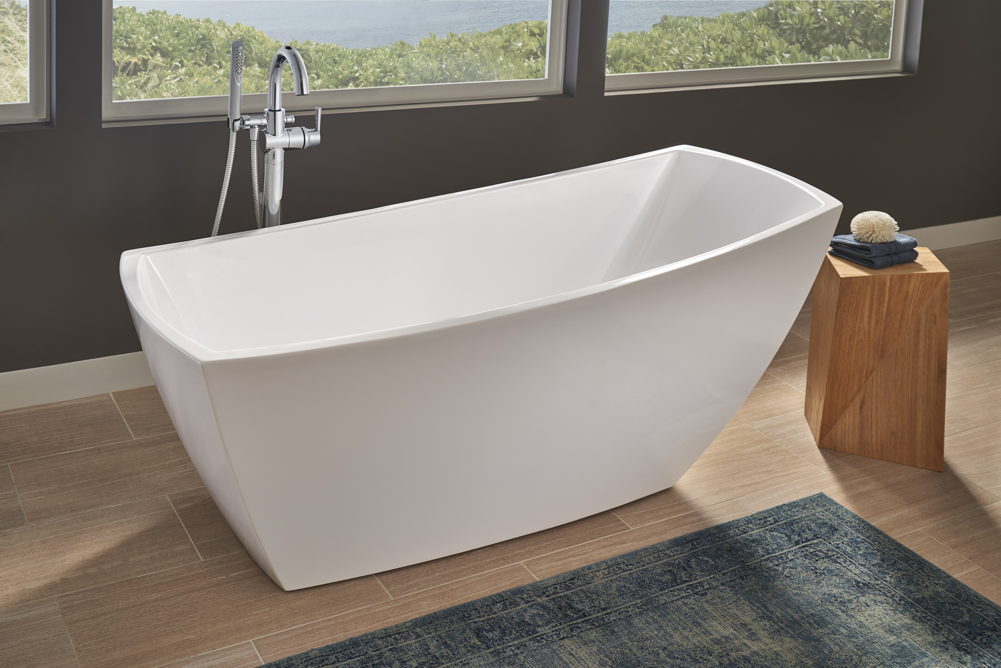 Lc Spa Jacuzzi Stella Soaker Tub Makes A Freestanding Statement