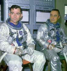 Gemini_3_-_Prime_Crew_(Young_and_Grissom)