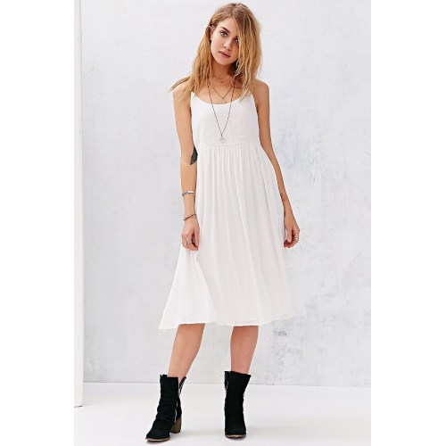 Medium Crop Of White Flowy Dress