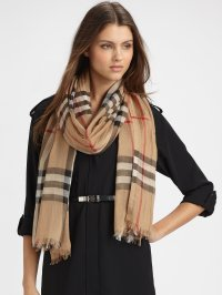Pics For > Burberry Scarf Women