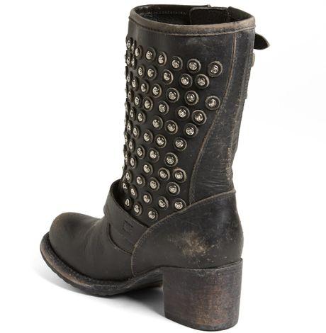 Frye Vera Disc Stud Boot In Black Lyst