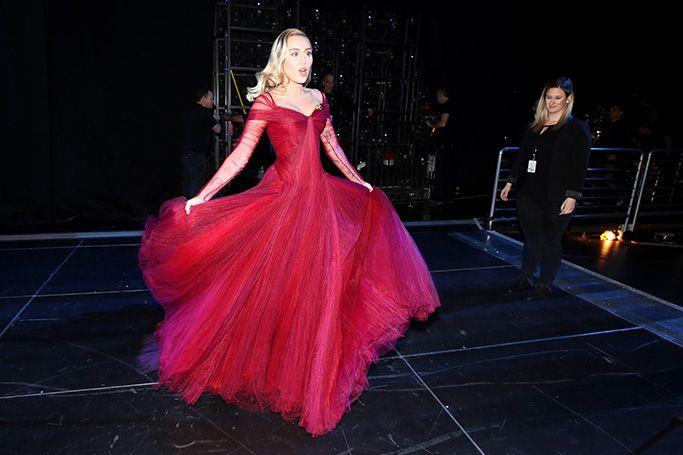 Miley Cyrus39 Zac Posen Grammys Gown Is The Wedding Dress
