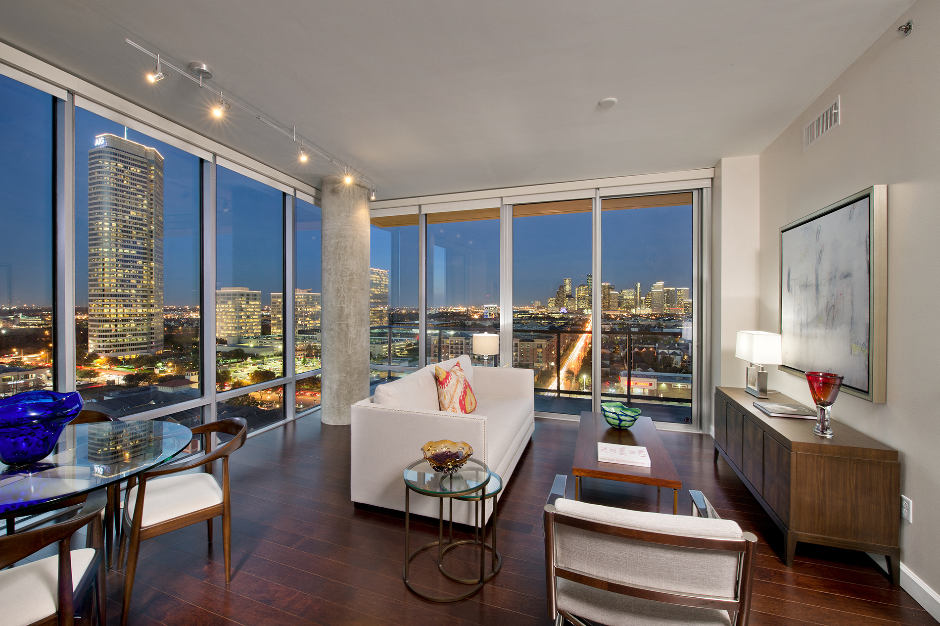 Houston Loft For Sale The Sovereign At Regent Square Luxury Apartments In Houston Tx