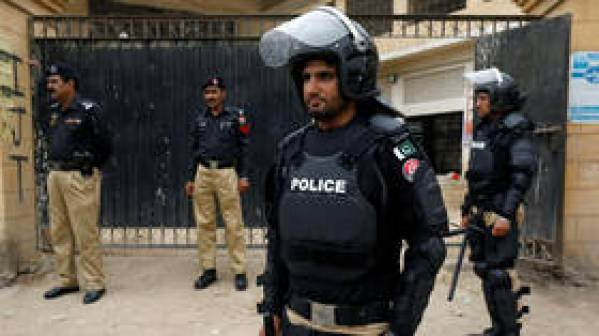 2 killed, 15 injured after blast inside mosque in Pakistan (VIDEO, PHOTO)