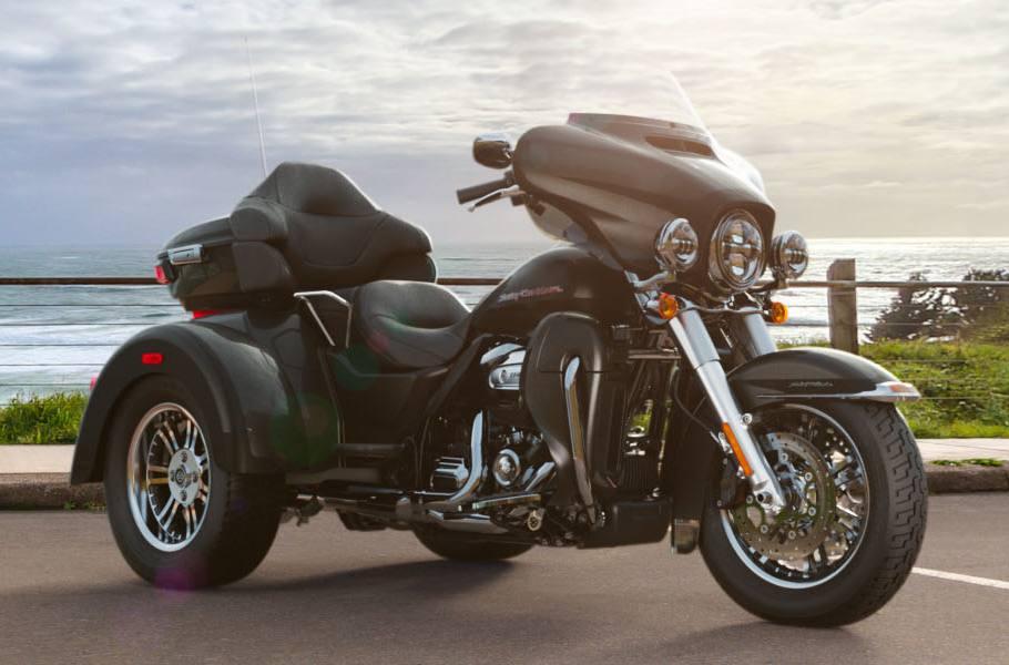 2019 Harley-Davidson® Tri Glide® Ultra - Two-Tone Custom Option for