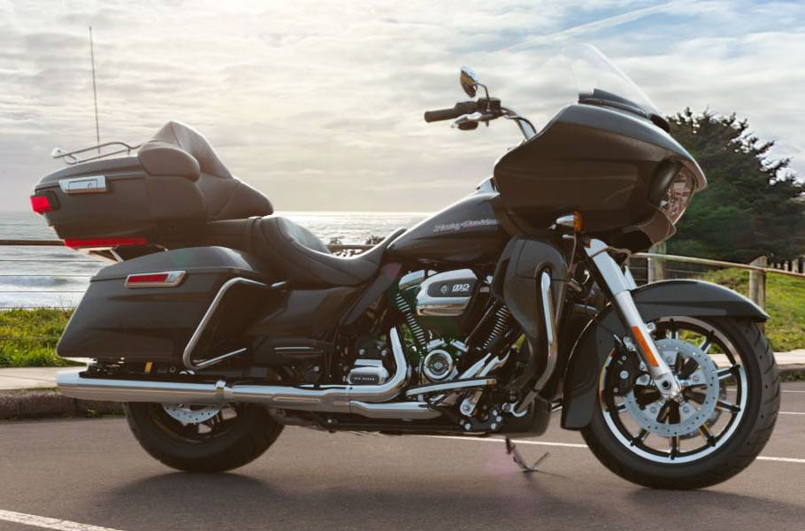 2019 Harley-Davidson® Road Glide® Ultra - Two-Tone Custom Option for