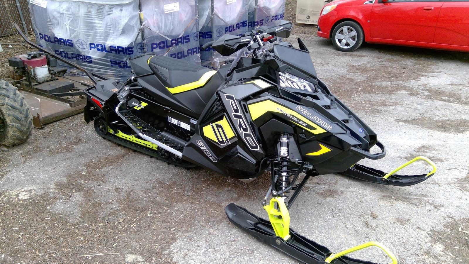 Black Pro S Snowmobile From Polaris Industries Quam S Marine Motor Sports