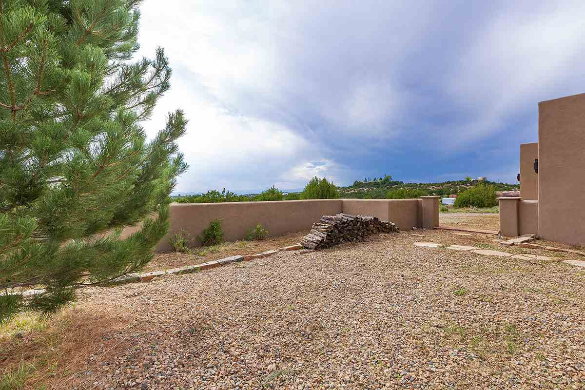 Camino De B 11 B Camino De Los Montoyas Santa Fe 87506 Mls 201804024 Barker Realty Christie S International Real Estate