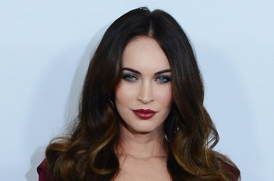 Insta Quotes Wallpaper Megan Fox Joins Instagram Posts Selfies And Inspirational
