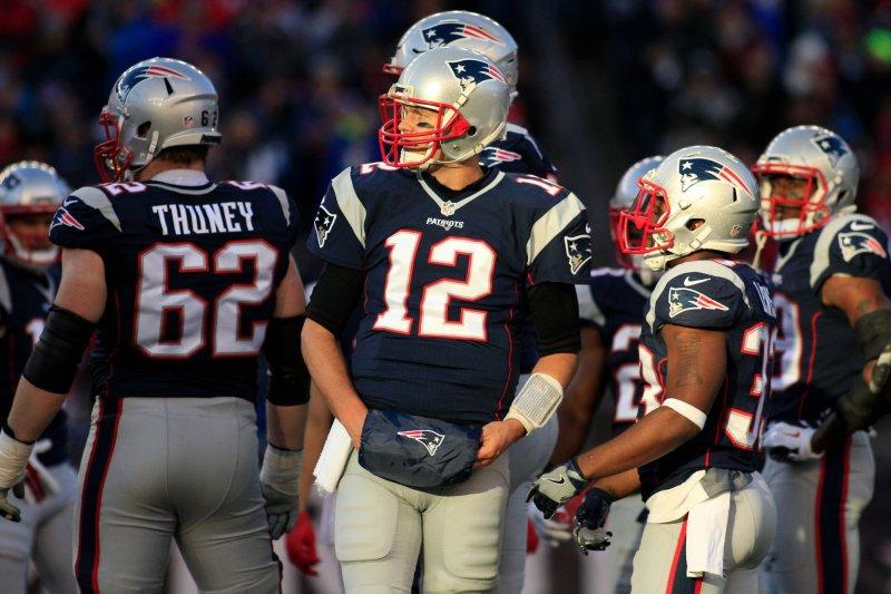Tom Brady sets record for QB wins in New England Patriots\u0027 victory