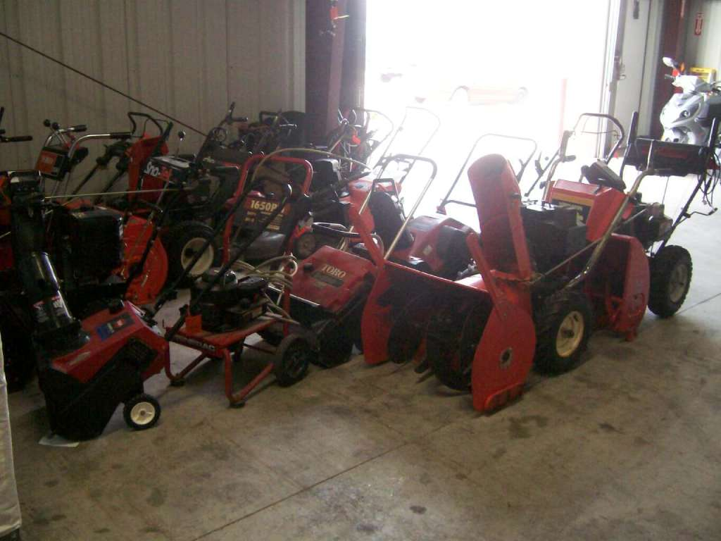 Used Snow Blowers Used 1900 Other Find The Best Deals On New And Used Snow Blowers