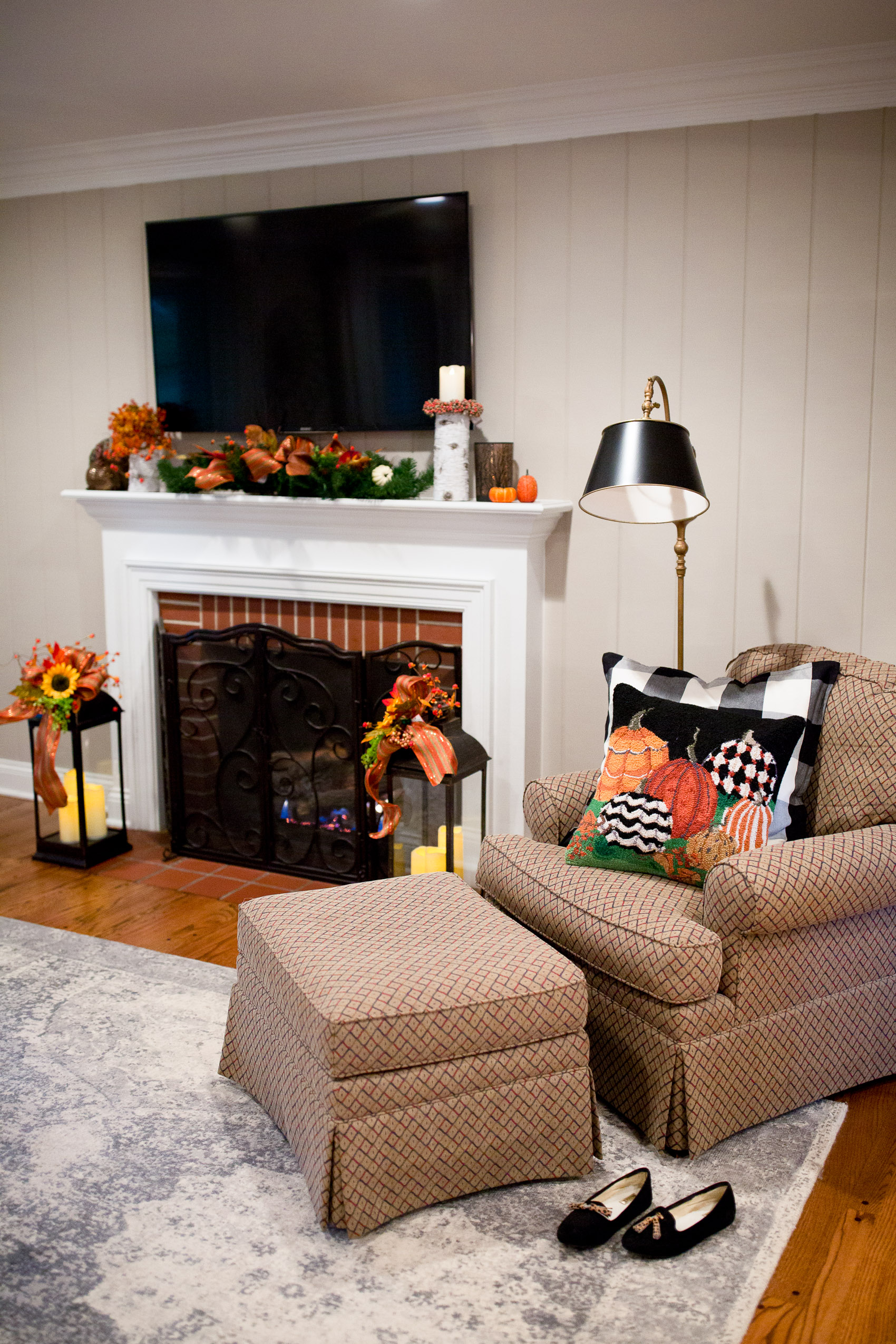 How To Decorate Fireplace How To Decorate And Transition Your Mantel For Fall And The Holidays