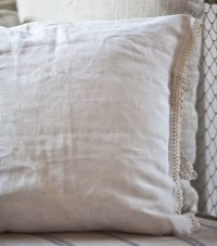 Making Pillows from Vintage Linens - Cedar Hill Farmhouse