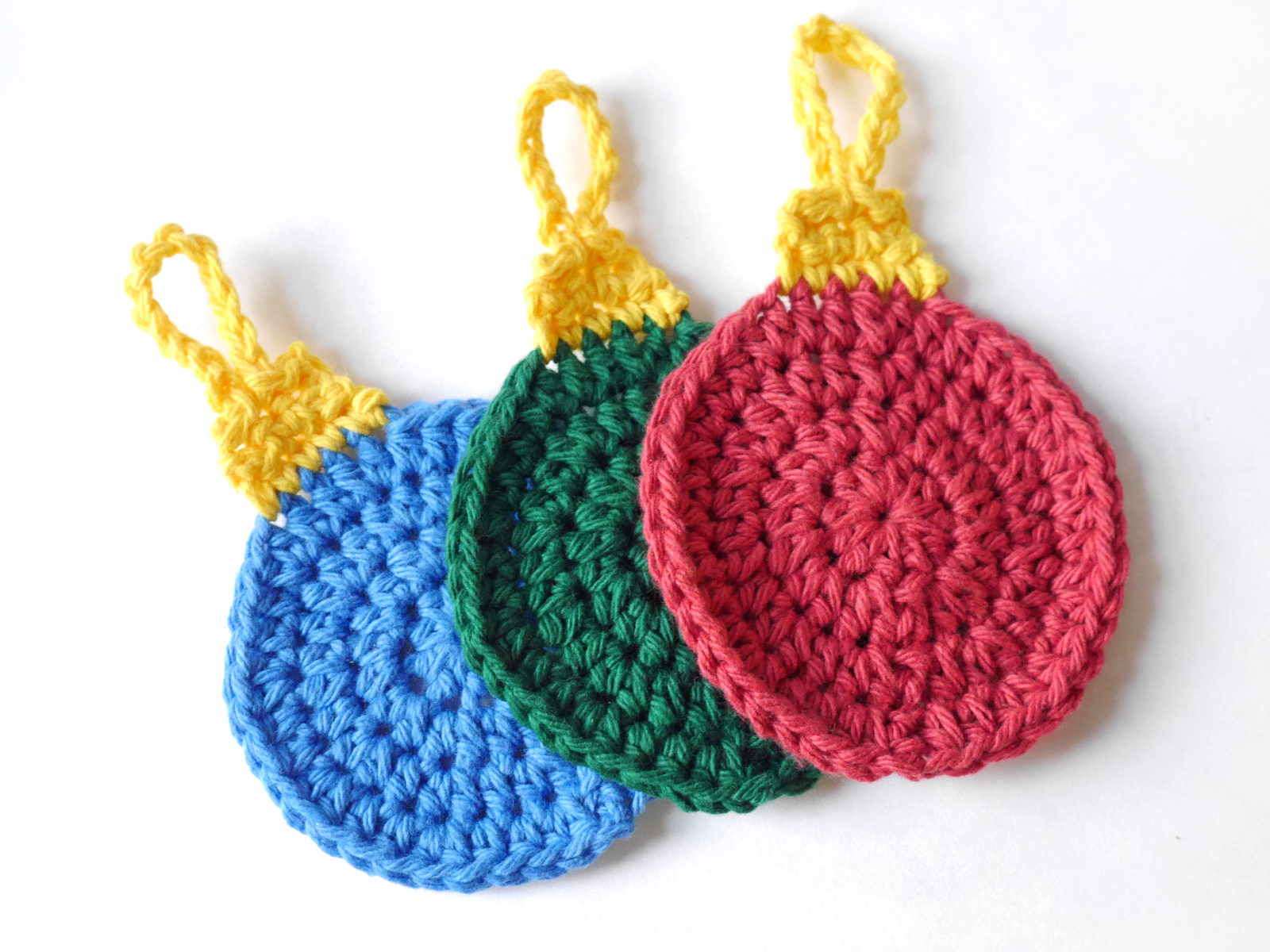 Free Crochet Pattern: Holiday Ornament Tawashi – Cedar & Linn