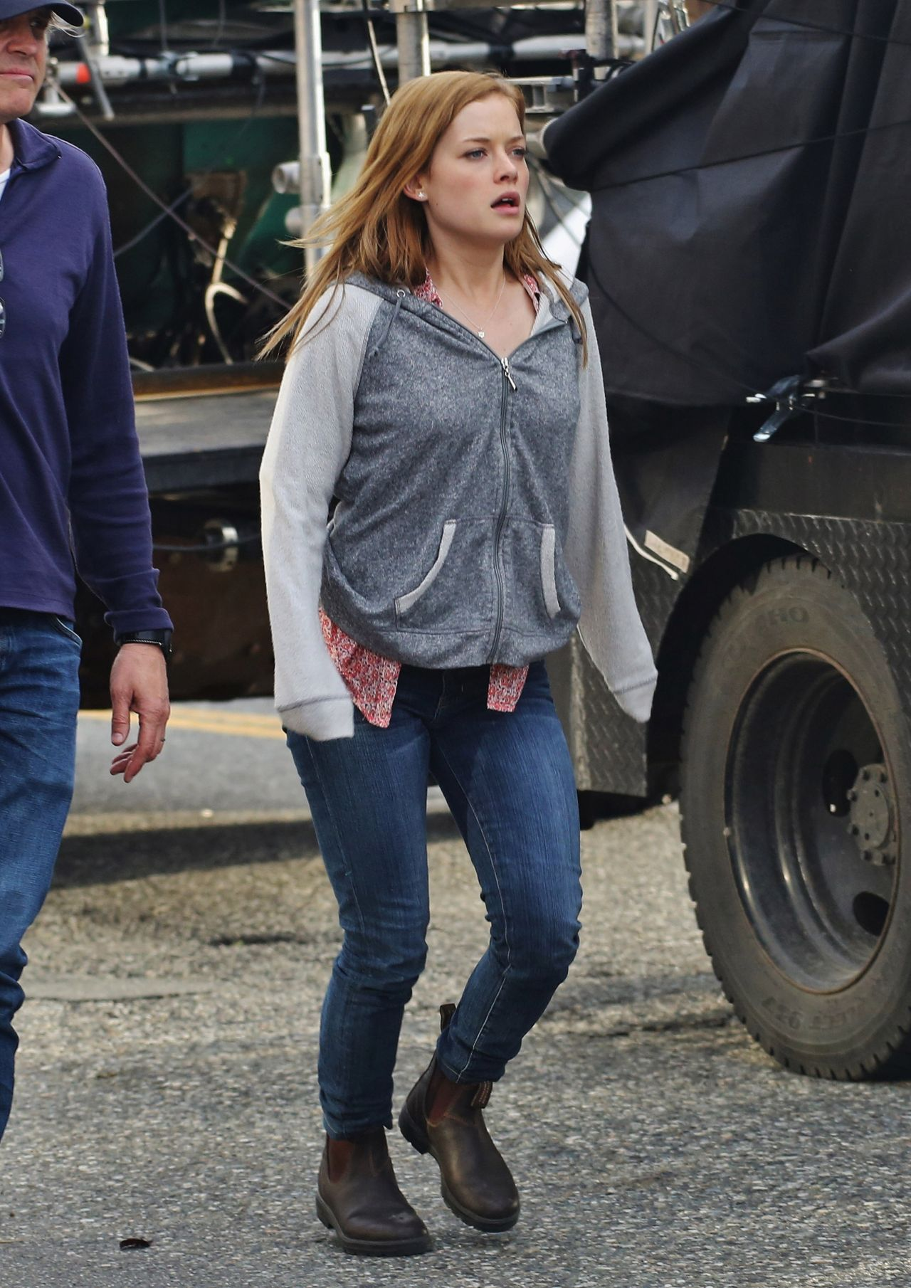 New Year 2014 Hd Wallpapers Jane Levy Filming Monster Trucks Movie In Chilliwack