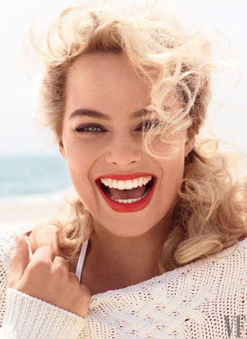 Medium Of Margot Robbie Hair