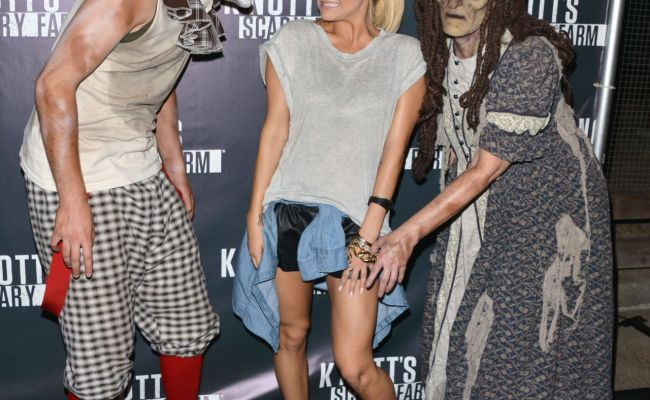 Cassie Scerbo At Knotts Scary Farm Celebrity Vip Opening