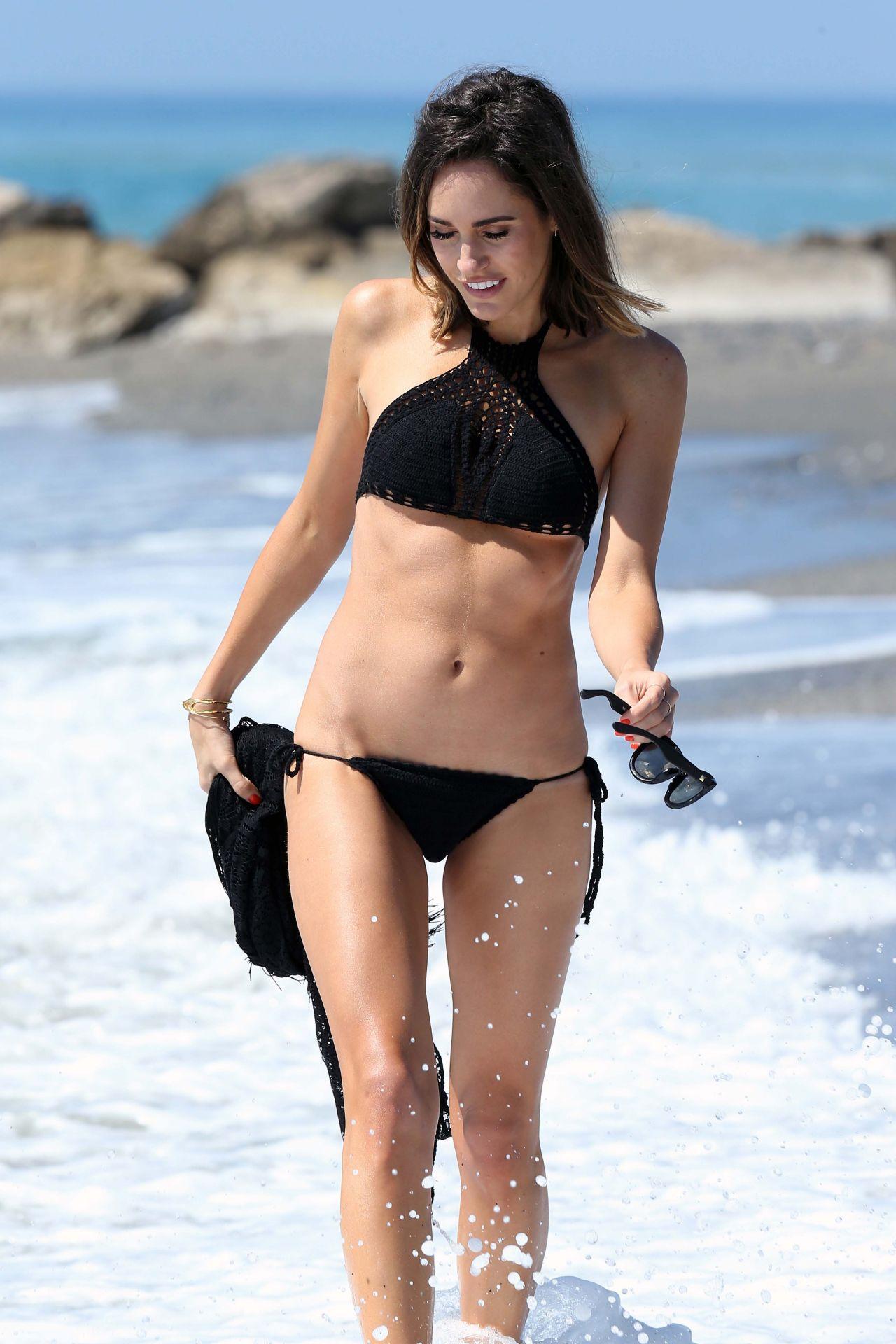 Mafia Girls Wallpaper Louise Roe In A Bikini On Holiday In Spain June 2015