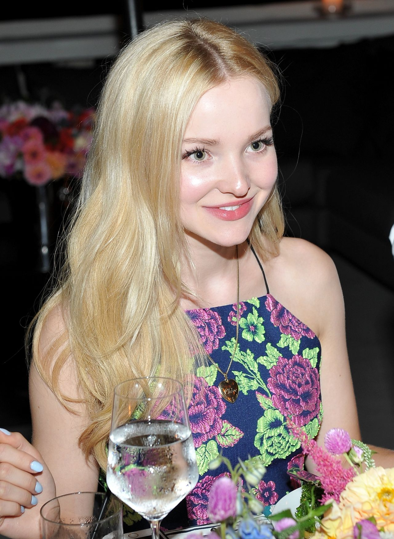 Party Chic Dove Cameron - Teen Vogue Dinner Party In Los Angeles