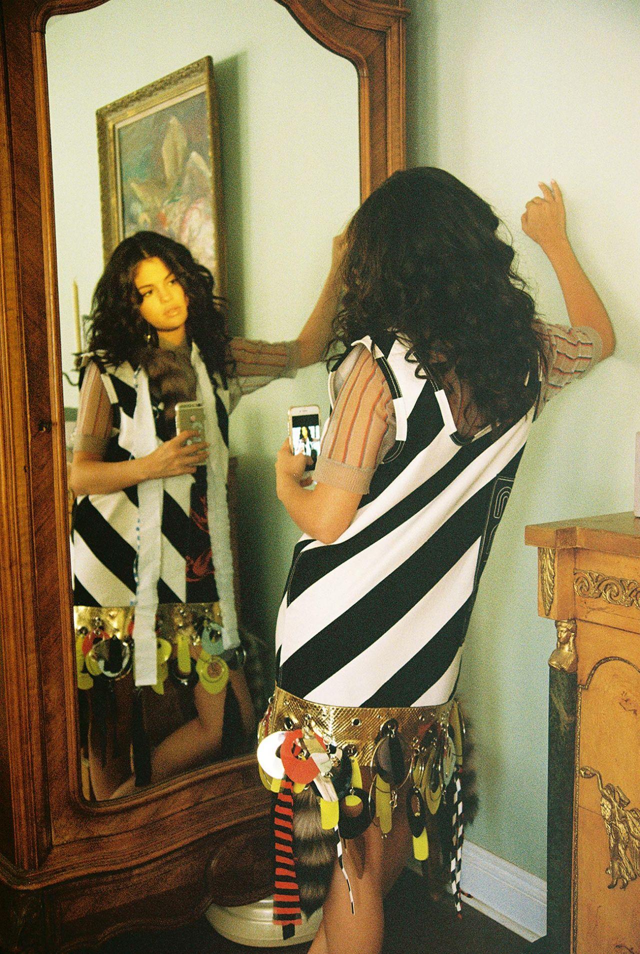 Paris In The Fall Wallpaper Selena Gomez Wonderland Magazine August 2015
