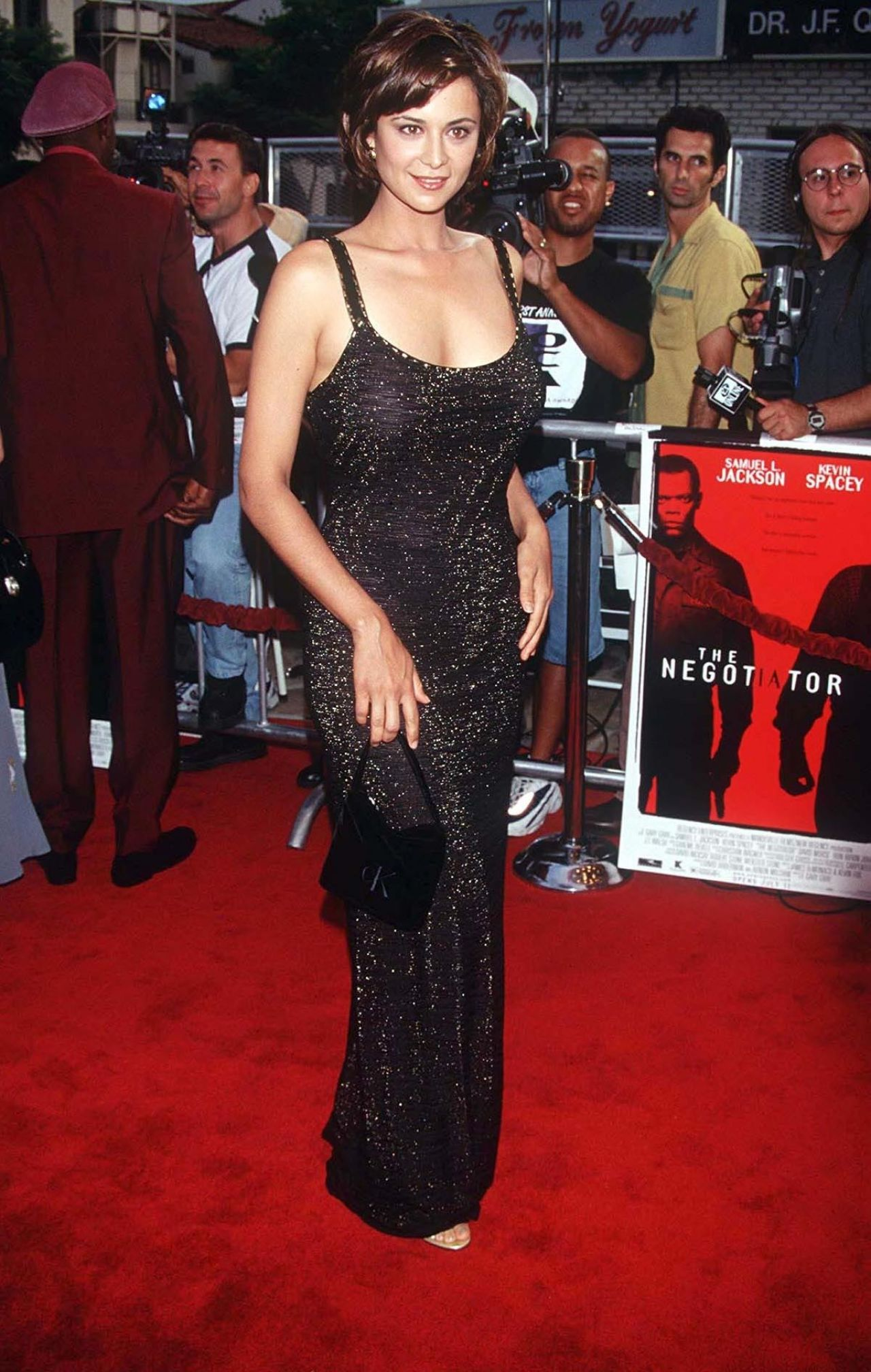 Catherine Bell On Red Carpet 39the Negotiator39 Premiere