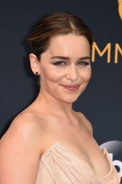 Emilia Clarke – 68th Annual Emmy Awards in Los Angeles 09/18/2016