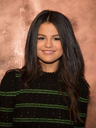 Selena Gomez Latest Photos - CelebMafia
