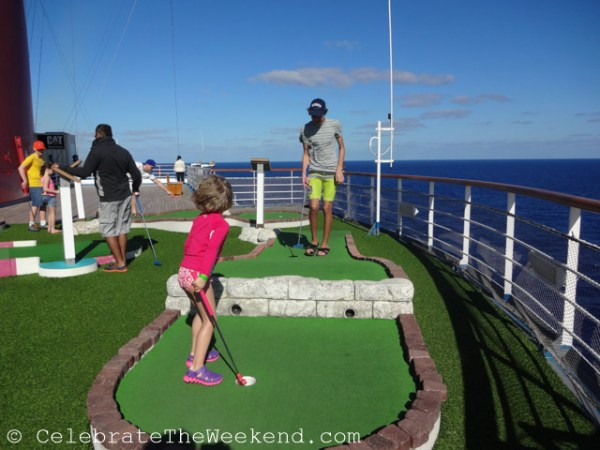 Sea side mini golf