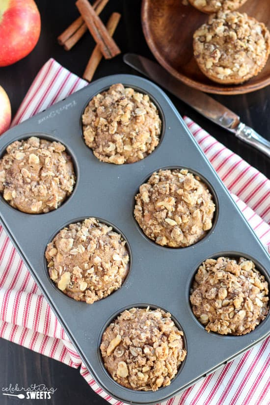 ... apples, cinnamon, and oatmeal and topped with a walnut-oat streusel