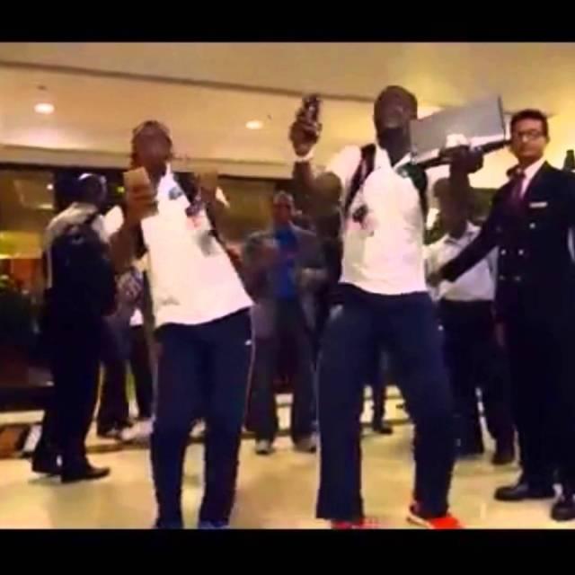 WestIndies Team dancing on Dj Bravo's song