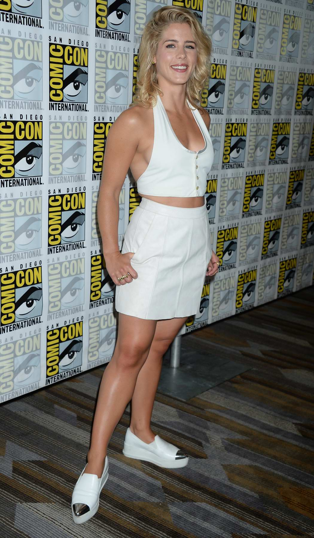 Bett Comic Emily Bett Rickards At Arrow Press Line During Comic Con