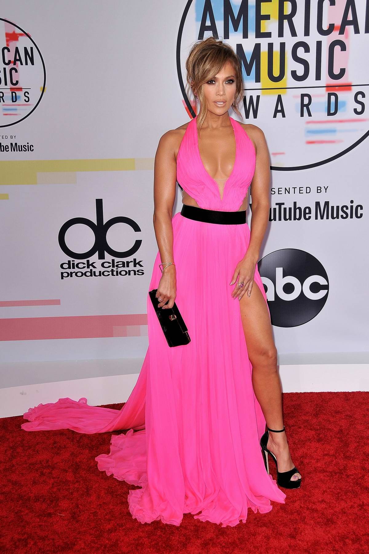 Sol Gym Jennifer Lopez Attends 2018 American Music Awards (ama