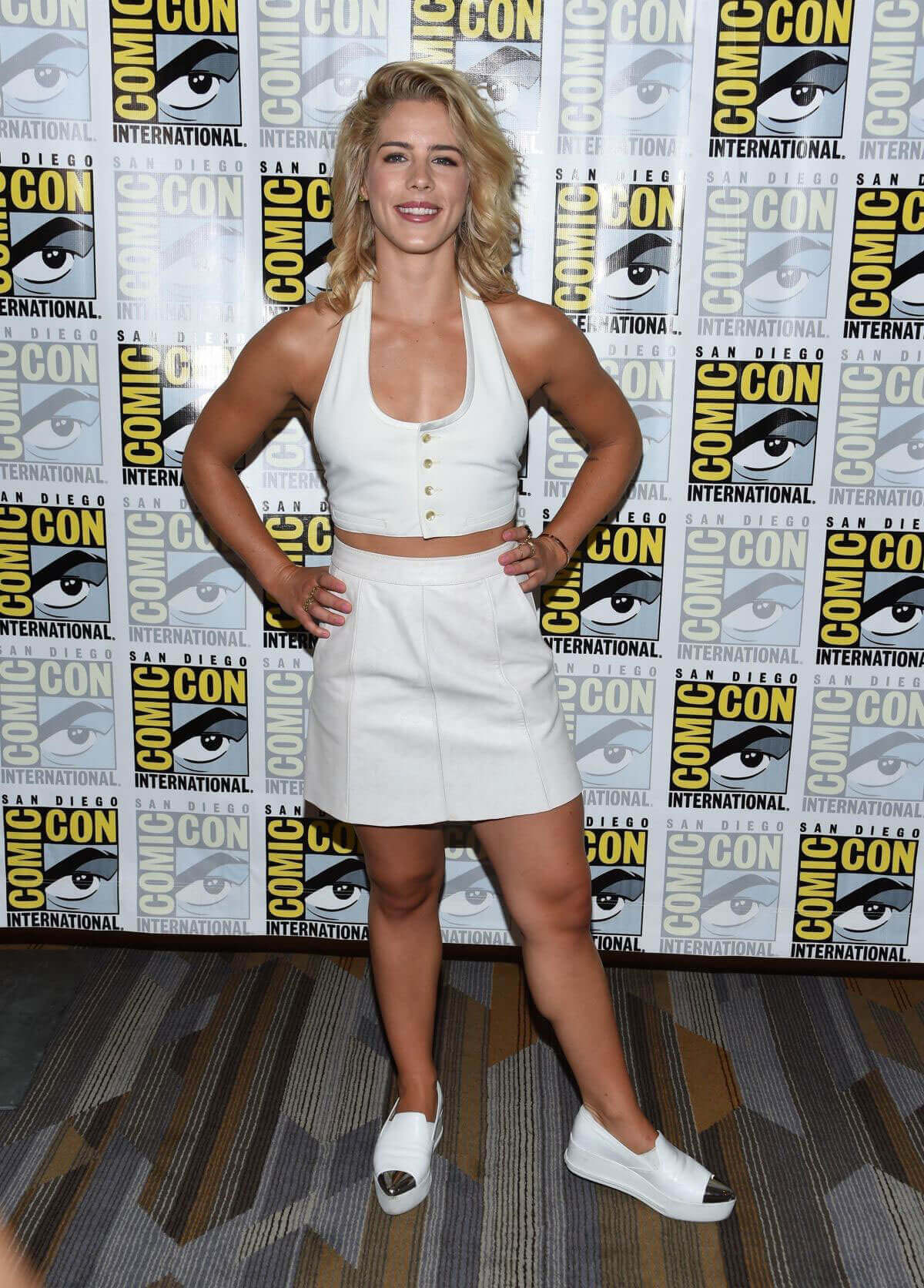 Bett Comic Emily Bett Rickards Stills At Arrow Press Line At Comic Con In San