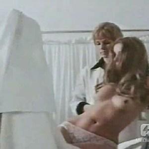 Barbara Bouchet in Valeria dentro e fuori