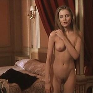 Isabelle Carre in La femme defendue
