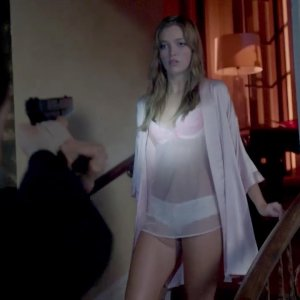 Lili Simmons in Banshee