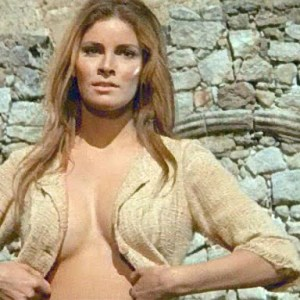 Raquel Welch in 100 Rifles
