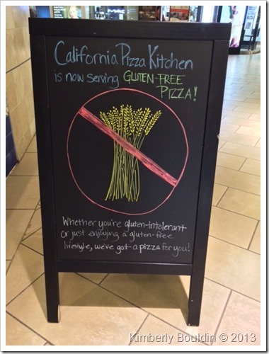 photo 2 thumb Review: California Pizza Kitchen Gluten Free Pizza