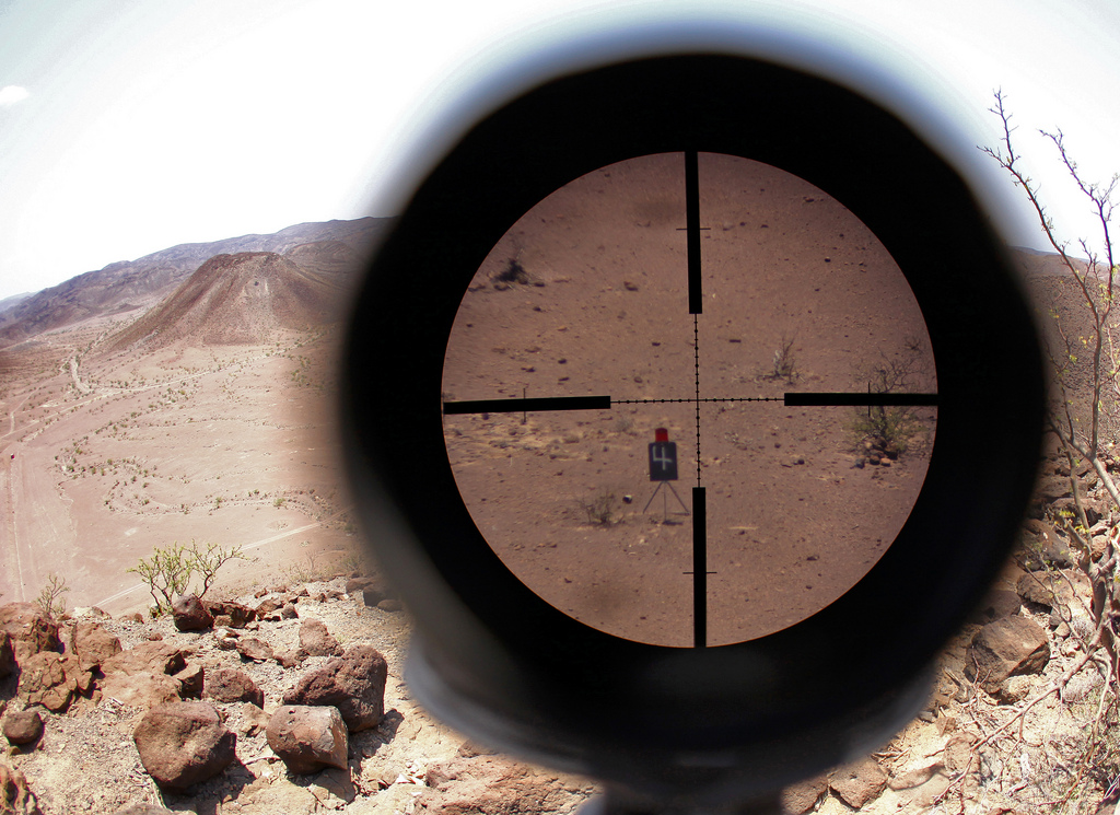 Seeing the target through a Scout Sniper\u0027s observation telescope