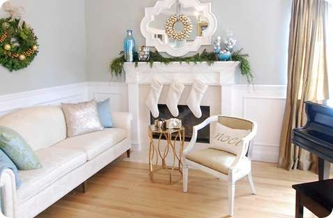 living room holiday decor
