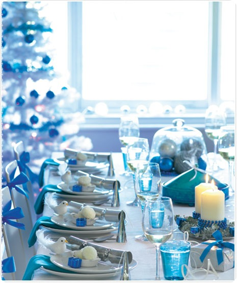 blue and white holiday table