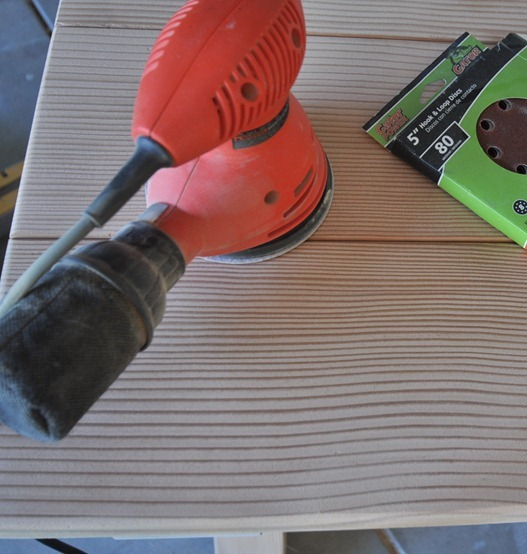 orbital sander for smoothing wood