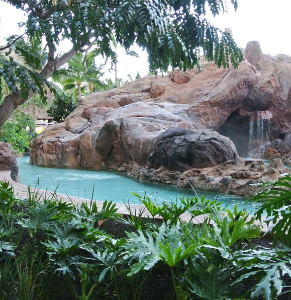 aulani lazy river